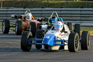 Hankook Formula Vee led by Peter Hills - Picture by RacePics.co.za