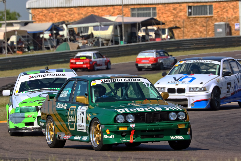 Rob Gearing (diebels Alt BMW E30 325is) and Troy Cochran (Arrow Automotive E36 M3)