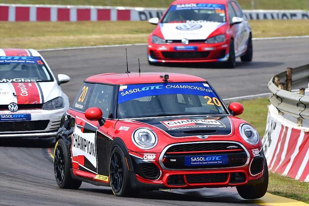 Champion MINI JCW - Devin Robertson - Picture by David Ledbitter