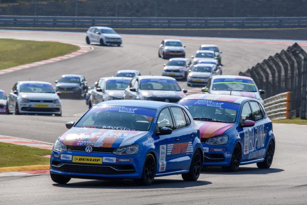 Close Racing in the Engen Volkswagen Cup