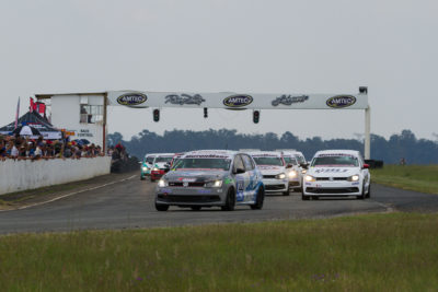 StiianKriel leads the charge to the first corner in the opening race of the season - Picture by Paul Bedford
