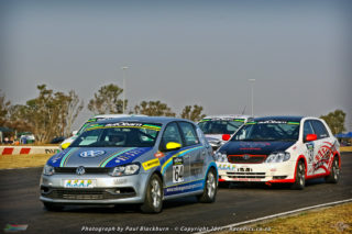 With 40 cars on the grid, the autObarn SuperHatch races will boast the day's largest entry list. Picture: RacePics.co.za